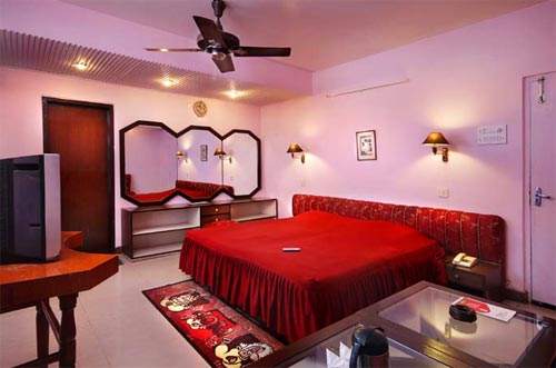 Mayfair Hotel Kanpur